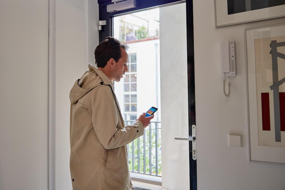 Veilig wonen door slimme raamdecoratie